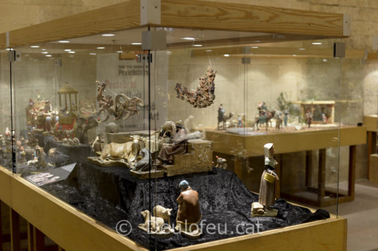 """Exposició al Museu """"Cloitre Saint Trophime"""" d'Arles"""