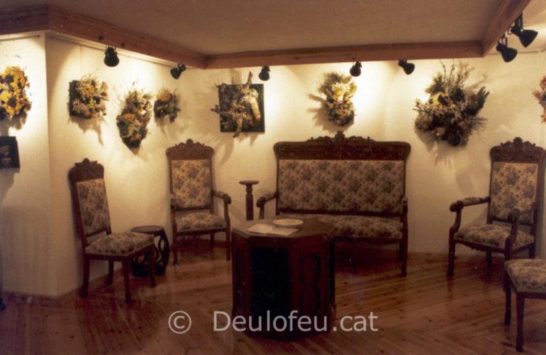 Exposició de tapissos a la Sala d'art La Cava