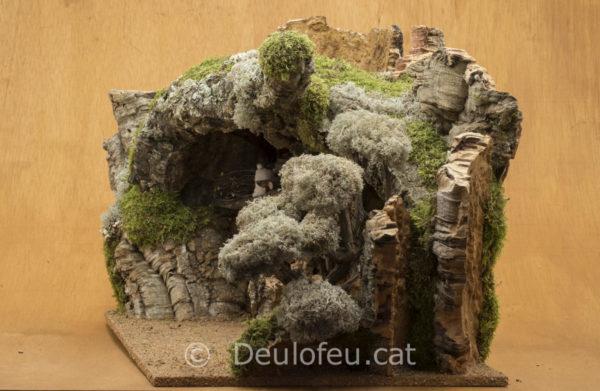 Cova per a figures de col·leccions de 20cm